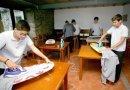 Hiszpańska szkoła uczy chłopców dbać o dom