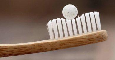 Ekologiczne, nietoksyczne i tanie. Powstały tabletki do mycia zębów
