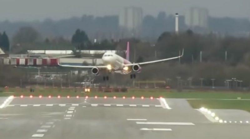 Polski pilot stawił czoła ekstremalnej pogodzie, udało mu się bezpiecznie wylądować
