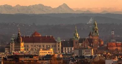 Rzadki widok, Kraków na tle Tatr. Zwykle góry zasłania smog