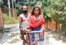15-letnia dziewczyna z Indii przejechała rowerem 1200 km, wioząc swojego chorego  ojca na bagażniku