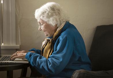Dom opieki zachęca do adopcji dziadków.  Wirtualne spotkania mają utrzymać ich w zdrowiu