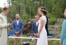 Szwedzko-norweska para młoda wzięła ślub na granicy państw. Nie chcieli czekać na zniesienie restrykcji
