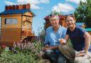 Ojciec z synem budują na całym świecie 50 tysięcy nowych uli dla pszczelich kolonii