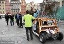 Pojazdy napędzane azotem i sprężonym powietrzem na Rynku we Wrocławiu