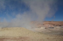 Gejzery na pustyni w Boliwii