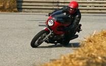 Moto Guzzi Le Mans 2 Classic Racer im Kurveneinsatz