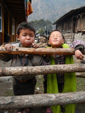 Two cheeky local Sherpa children in Ghunsa.