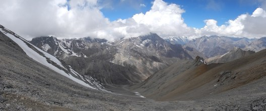 The view looking north from the Numala La Pass (5340m) towards another 5000+m pass, the Bagala La Pass (5170m) which I crossed in the same day.