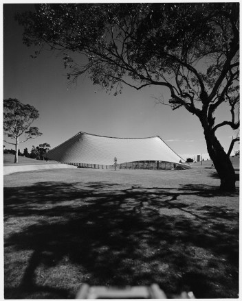 ph: Wolfgang Sievers 1959 (source:State Library of Victoria, 2638260)