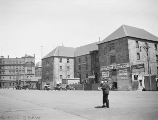 West side of Circular Quay, looking south E G Shaw, 1923–24 (Museum of Sydney)