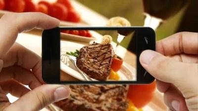 prendre en photo les plats au restaurant