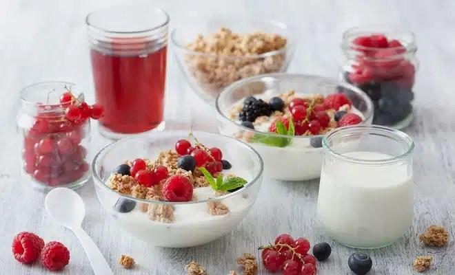 yaourt fruits rouges groseille petit dej