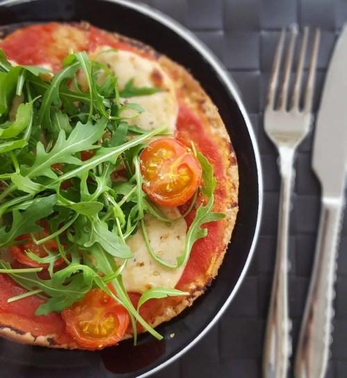 Pizza aux tomates & fromage sans lactose façon mozzarella