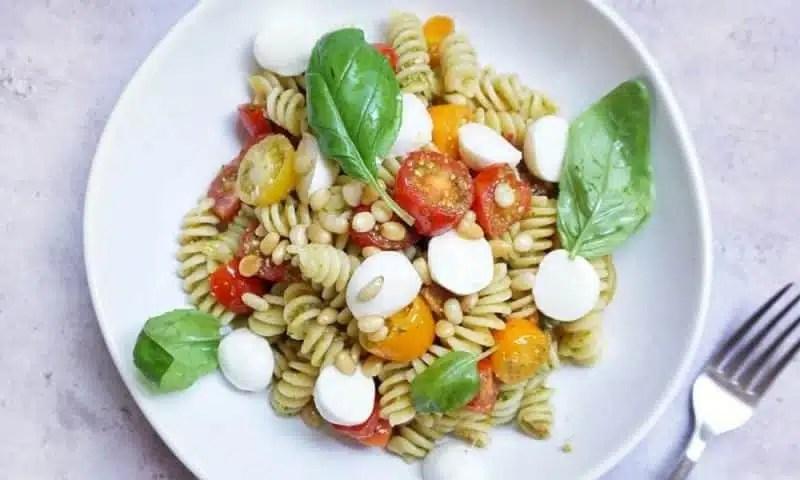 recette pâtes pesto tomates multicouleurs