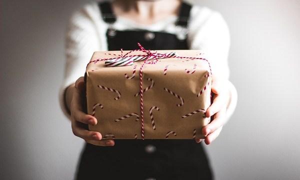 マイルを家族や友人にプレゼント