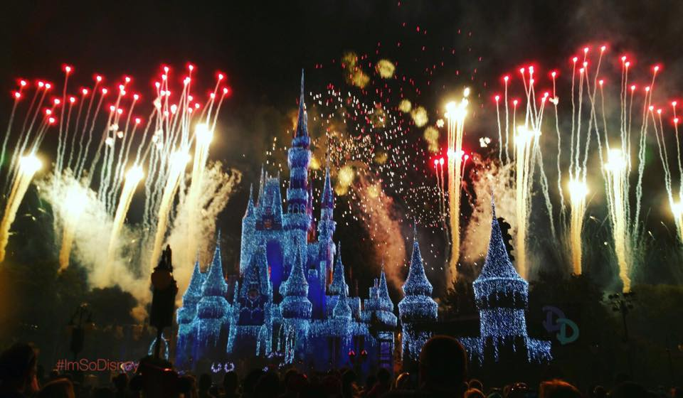 Reservations Now Open For The Wishes Fireworks Holiday Dessert Party At Mickeys Very Merry