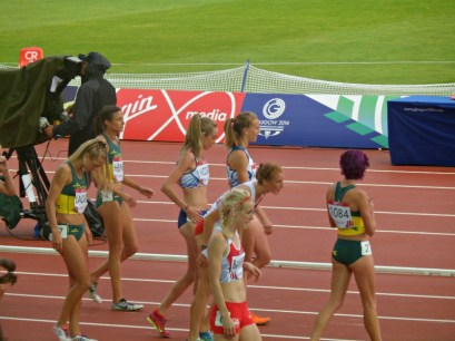 Line-up for women's steeple chase at Glasgow 2014