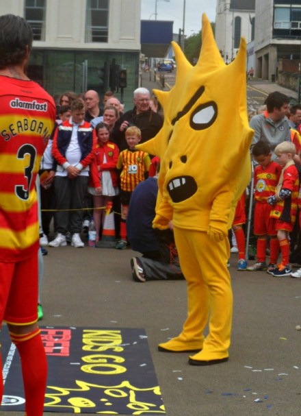 Kingsley unveiled as new Partick Thistle football mascot