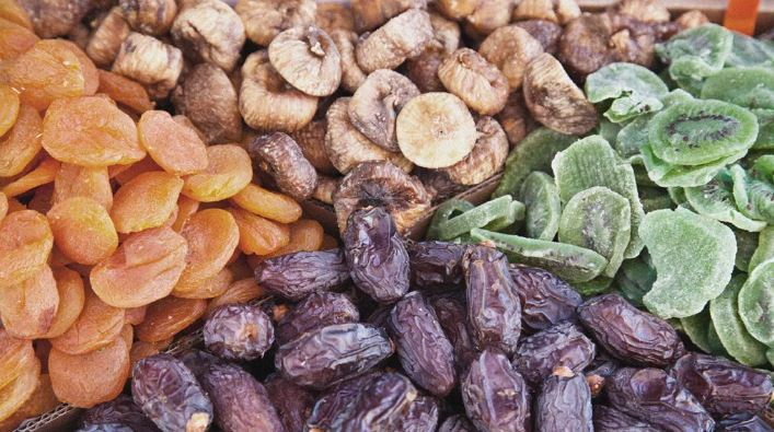Eating dried fruit linked to better overall diet and health