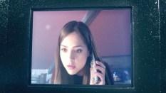 Clara al teléfono.