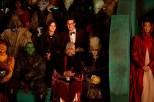 El Doctor y Clara en el mercado.