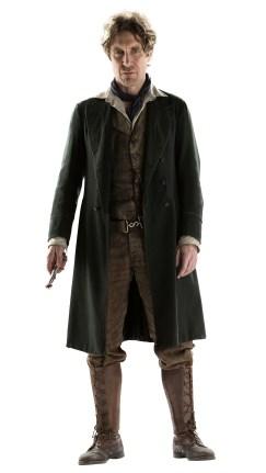 Paul McGann, de traje completo.