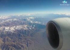 Viagem de avião para Santiago do Chile, passando pela Cordilheira dos Andes