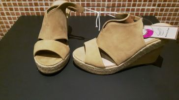 penneys wedge fawn
