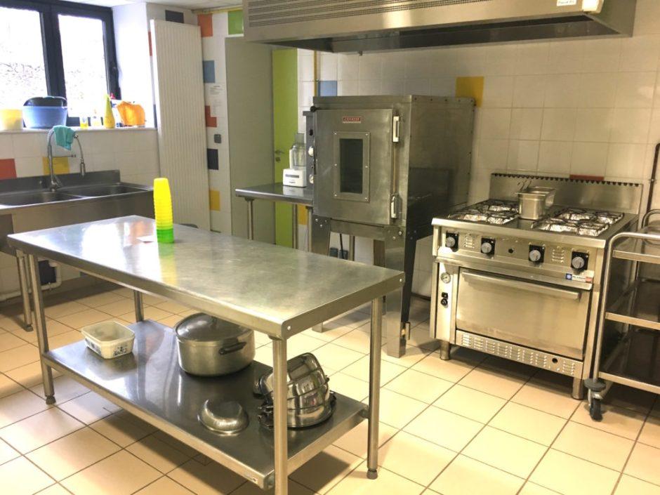 cuisine de l'école de St Igny de Vers