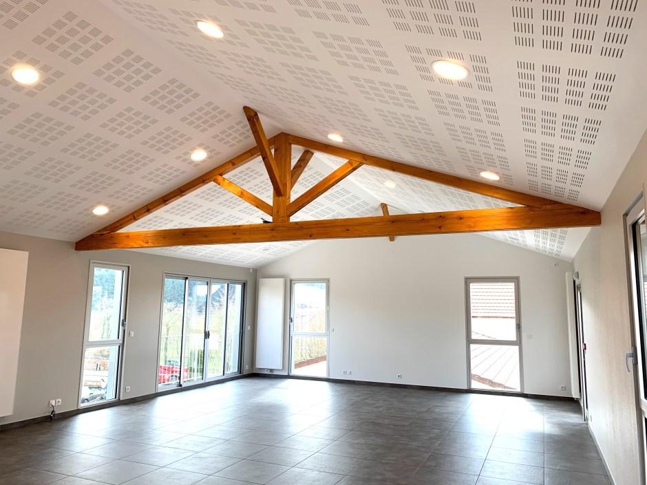 réhabilitation d'un bâtiment en salle communale