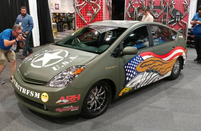 Toyota Prius with Hellcat-power
