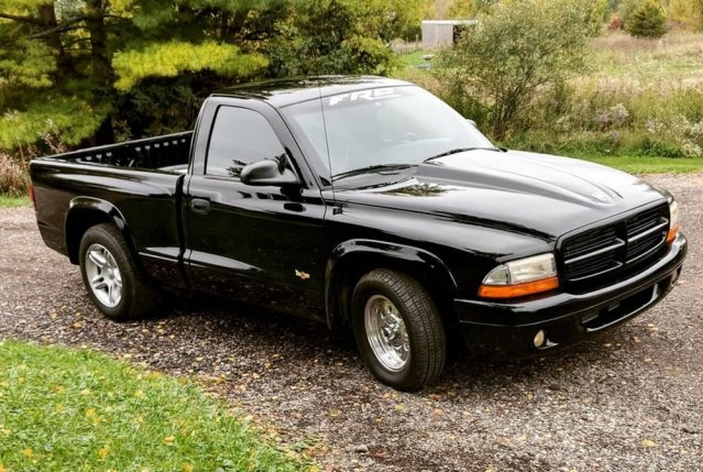 Hellcat-Powered Dodge Dakota High Front