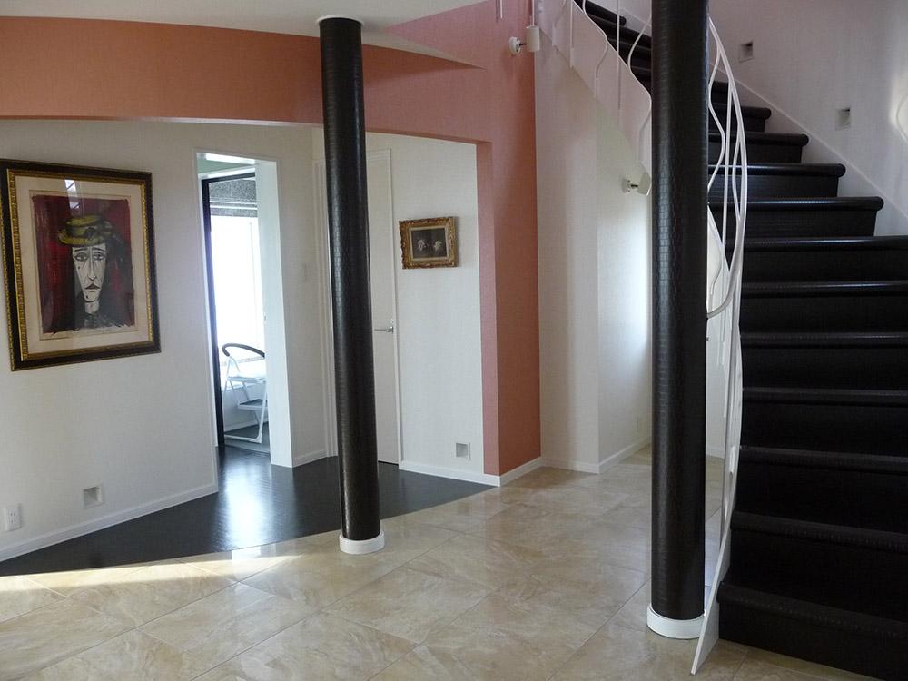 レザー貼り階段