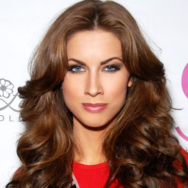 Katherine Webb Biography   Know more about his Personal Life, Husband, Wedding, Baby, Age, Net Worth, Sports Illustrated, Hair, Author, Salary, Age, Bio