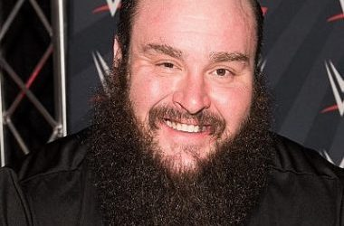 Braun Strowman Biography | Know more about his Personal Life, Married, Net Worth, Rosebud, Injured, Roman Reigns, Dad, Shirt, Theme, Family
