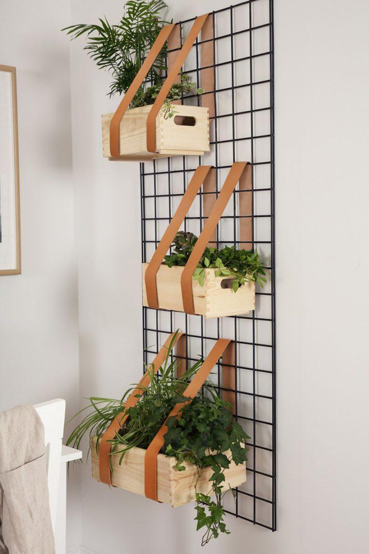 Grades de metal como jardim vertical