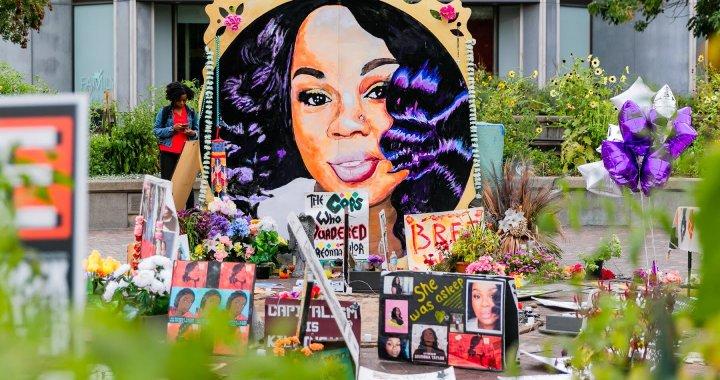 Affaire Breonna Taylor : aucun des trois policiers n'a été inculpé pour l'assassinat de la jeune femme
