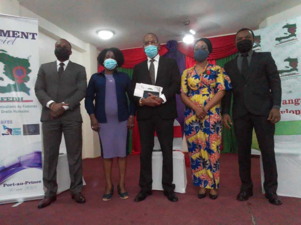 Lancement de la Fédération des Organisations de Femmes pour l'Égalité des Droits Humains
