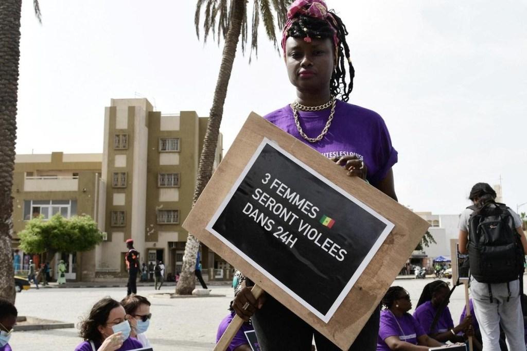 Des Sénégalaises manifestent pour dénoncer la culture du viol