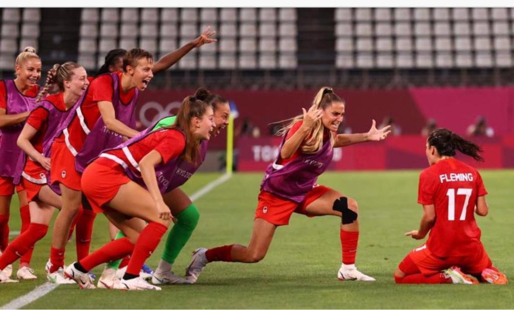 Le Canada bat les États-Unis et se qualifie pour la finale du tournoi olympique de football féminin