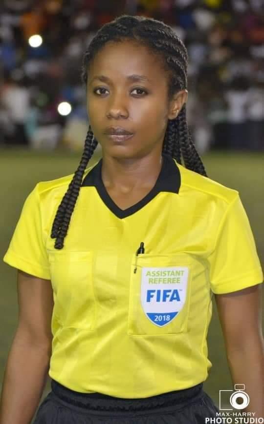 Sport : L'arbitre internationale haïtienne Wesline Louis met une fin à sa carrière
