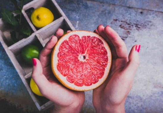 Greyfurt Kaç Kalori, Faydaları ve Besin Değerleri Nelerdir
