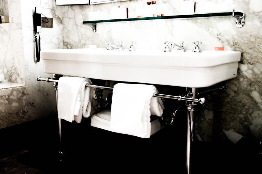 Baño de mármol de carrara.