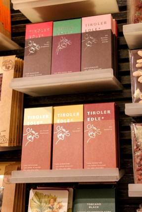 Un tienda dedicada al chocolate en Getreidegasse 40, estos son del Tirol y con leche.