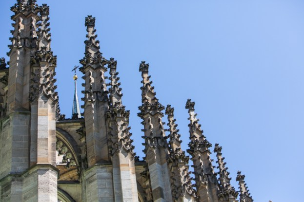 Pináculos de Santa Bárbara, estilo arquitectónico gótico-tardío.