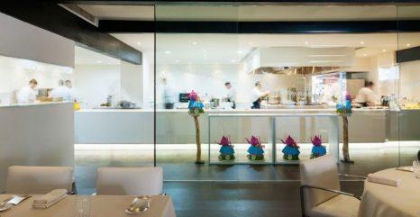 Cocina abierta en el restaurante de Dani García.