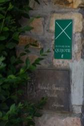 Puerta de acceso al hotel.