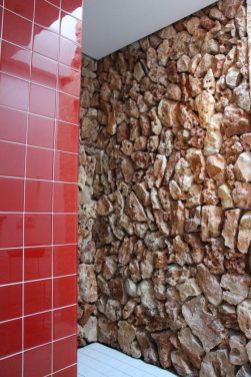 Me encantó mi ducha con piedra seca.
