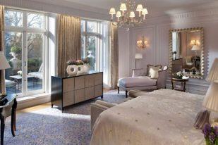 Suite Real, tiene terraza, ideal para hospedarse con un perro. Foto: Mandarin Oriental.